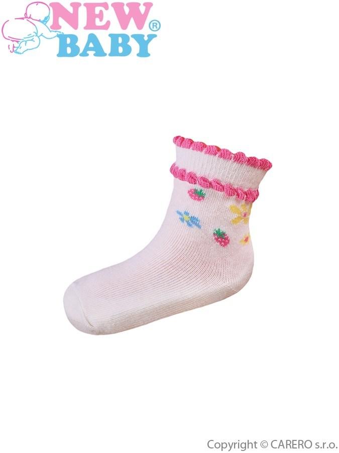 Dojčenské bavlnené ponožky New Baby bežové s kvetinkami a jahôdky