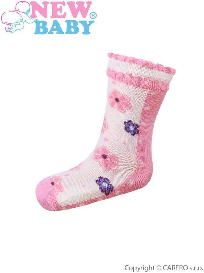 Dojčenské bavlnené ponožky New Baby ružové s bodkami a kvetinkami