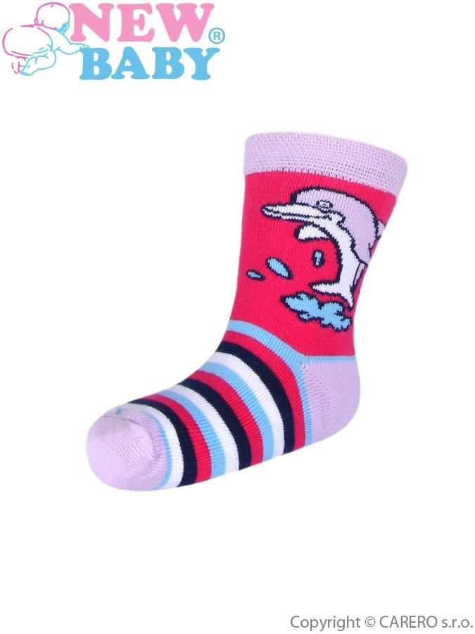 Detské bavlnené ponožky New Baby ružové s pruhmi a delfínom