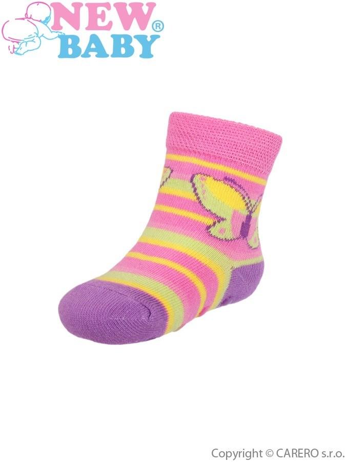 Dojčenské ponožky New Baby s ABS ružovo-žlté s pruhom a motýlikom