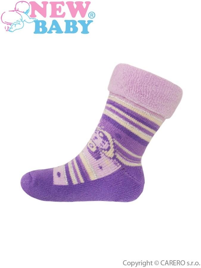 Detské froté ponožky New Baby fialové s motýľom