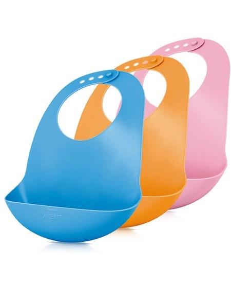 Detský plastový podbradník Avent modrý 6m +